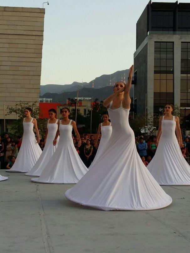 danza contemporánea dia danza udem (2)