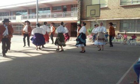 grupo folclórico udem orfanato (1)